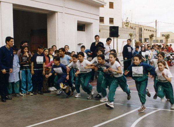 La carrera del Pollo del colegio Santa Ana cumple un cuarto de siglo