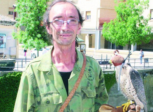 «Me gustaría poner en marcha una escuela de cetrería en Monzón»